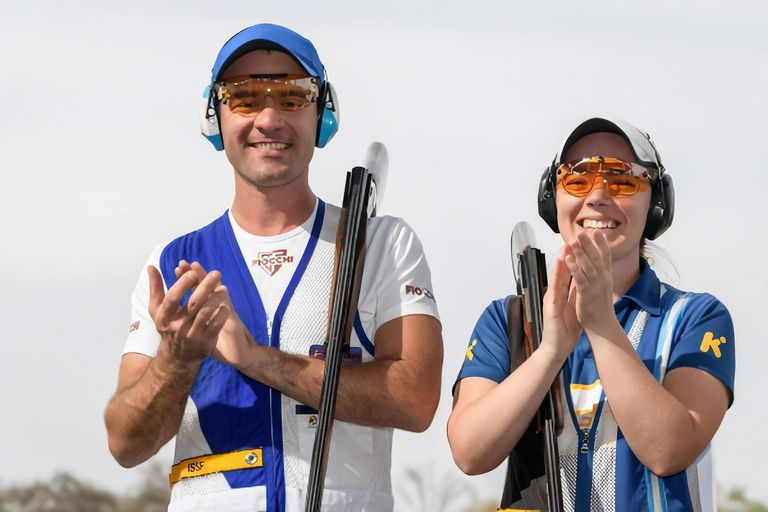 The brothers Melisa and Federico Gil compete in the skeet category