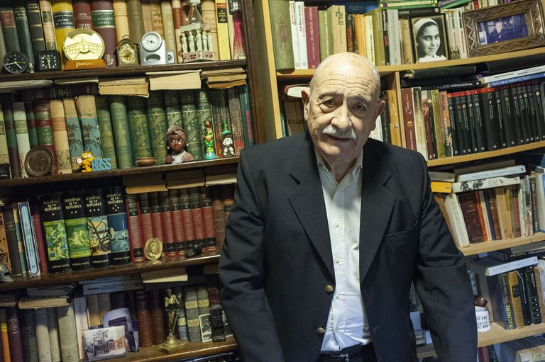 Miguel Ángel Vallvé decided to leave the school where he worked for 73 years